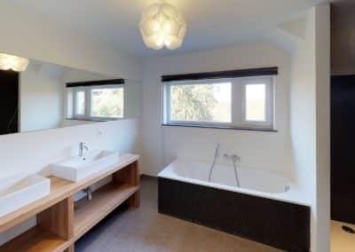 Spa-copie-Bathroom(1) (1)-min